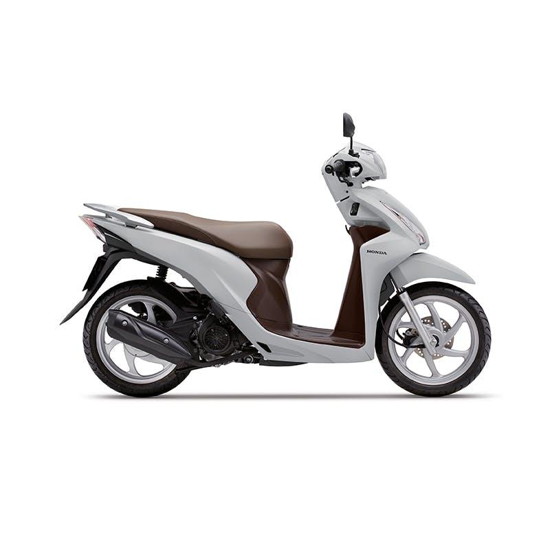 Honda NSC110 Dio in pearl jasmine white colour