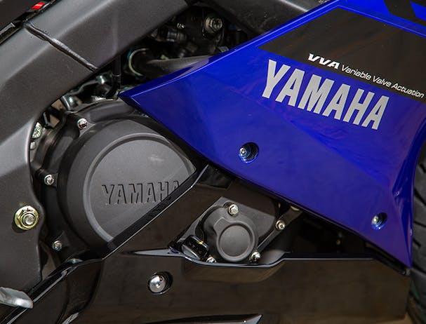 Yamaha YZF-R15 engine