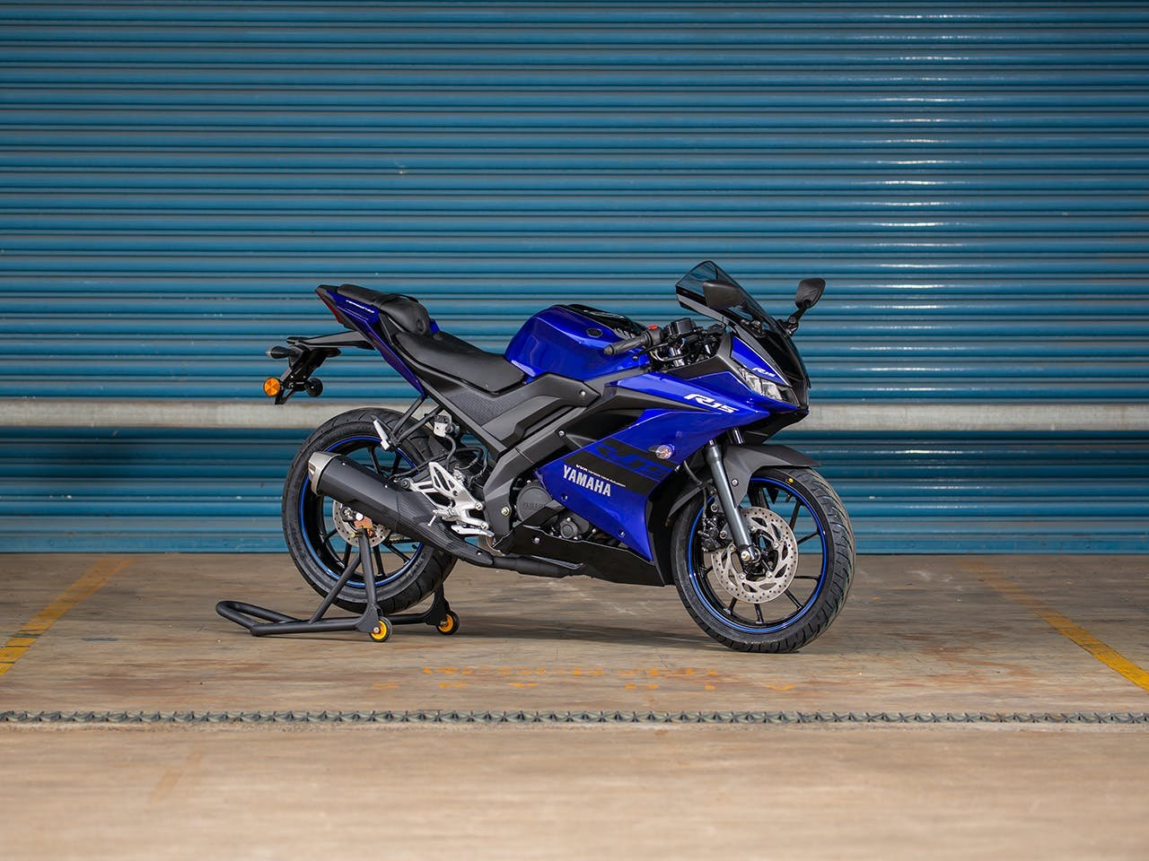 Yamaha YZF-R15 in Racing Blue colour, parked